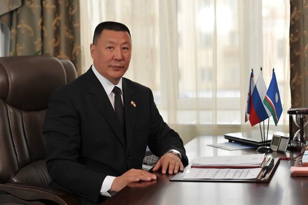 Поздравление председателя Якутской городской Думы Александра Саввинова с Днем защитника Отечества
