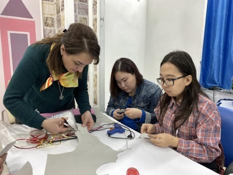 Детский (подростковый) центр организовал мастерскую Деда Мороза