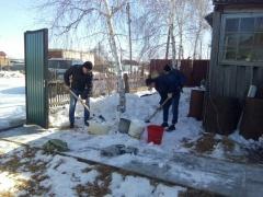 Продолжается адресная помощь пенсионерам и ветеранам в рамках направления «Якутск молодой»