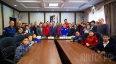 В Окружной администрации города Якутска состоялась встреча с Олимпийским чемпионом по вольной борьбе Таха Акгюлем