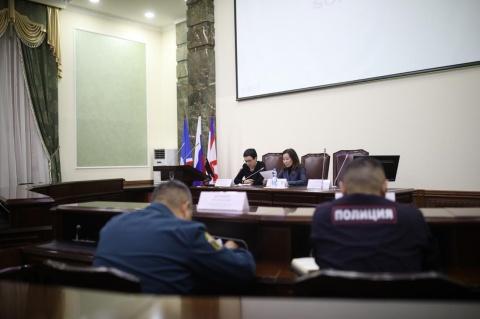 Руководителям городского общепита напомнили о правилах безопасности накануне новогодних праздников
