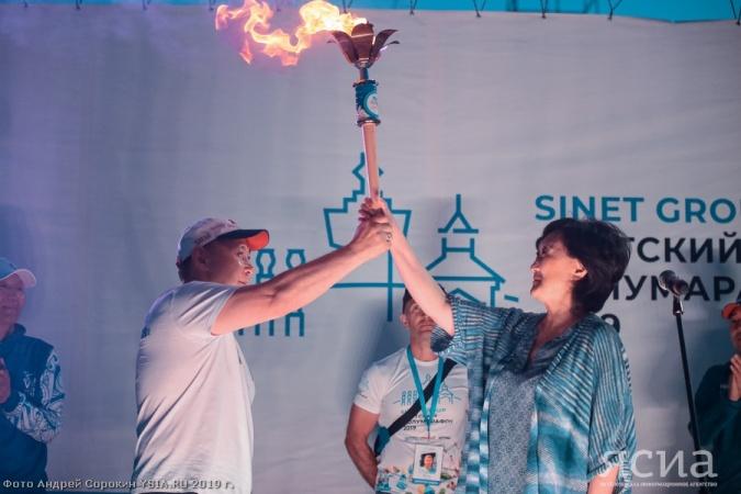 Якутск принял эстафету огня VII Спортивных игр народов республики