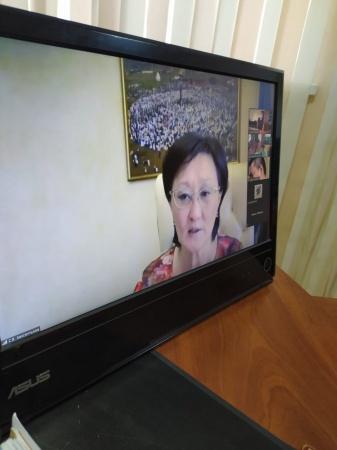 Сардана Авксентьева провела онлайн-прием жителей Строительного округа