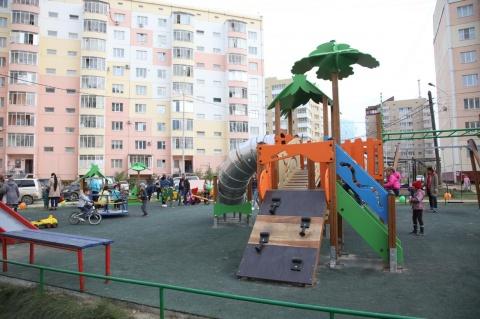 «Народный бюджет»: в 72 квартале Якутска открыли детскую площадку