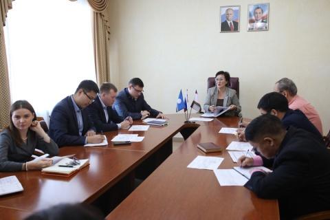 Сардана Авксентьева провела совещание по ситуации с МУП «Жилкомсервис»