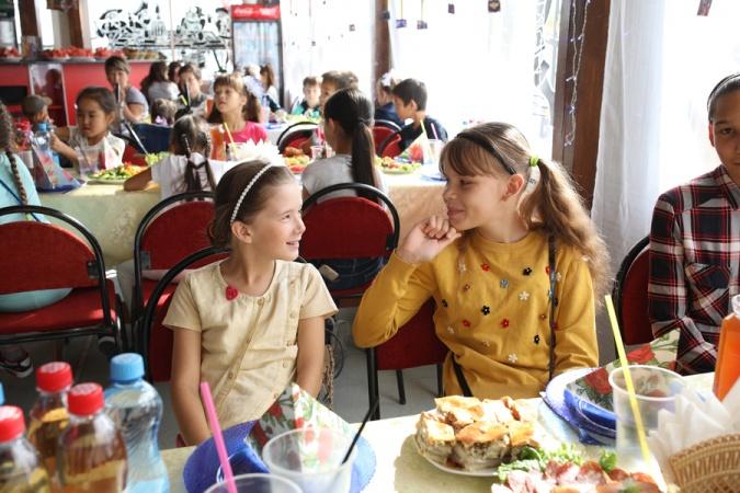 В социальной столовой прошла благотворительная акция «Собери ребенка в школу»