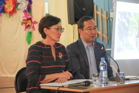 Власти республики и Якутска встретились с жителями Старой Табаги
