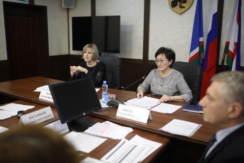 В Окружной администрации обсудили вопросы пассажирских автобусных перевозок