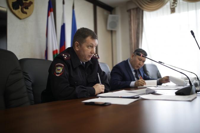 В Окружной администрации Якутска обсудили методы борьбы с «алкоточками»