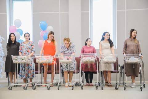 В День защиты детей в Якутске родилось семнадцать маленьких горожан