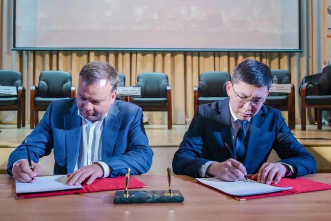 Окружная администрация Якутска заключила соглашения с российскими компаниями по проекту «Умный город»