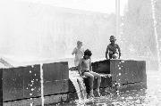 Дети в фонтане 1 место Антон Кондратьев.jpg