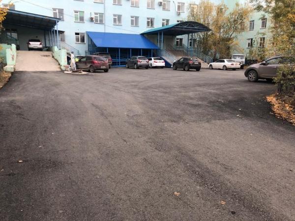 В Якутске завершаются работы по асфальтированию внутриквартальных территорий