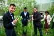 Год труда: Выпускники школы №7 посадили деревья и установили памятный камень