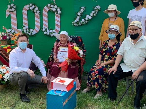 Жительница села Хатассы отметила 100-летний юбилей