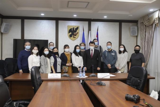 В Якутске поздравили журналистов с профессиональным праздником