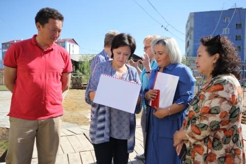 Сардана Авксентьева проверила учреждения дополнительного образования