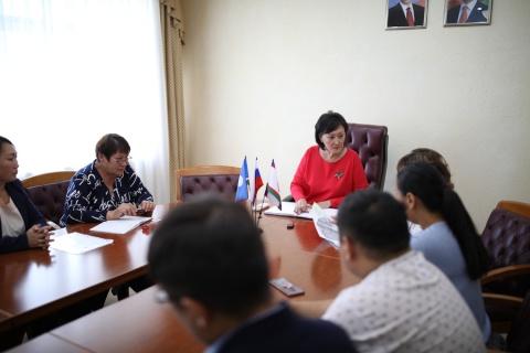 Сардана Авксентьева встретилась с жителями микрорайона «Северный»