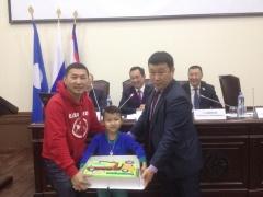 Юному участнику акции «Вызов-кузов!» вручили торт за 300-й кузов