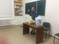 Добровольцы столицы организовали обучающие курсы для школьников