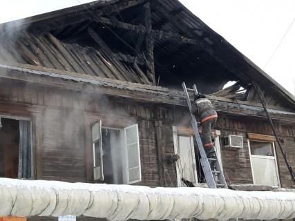 В Якутске идет тушение пожара по улице Рыдзинского