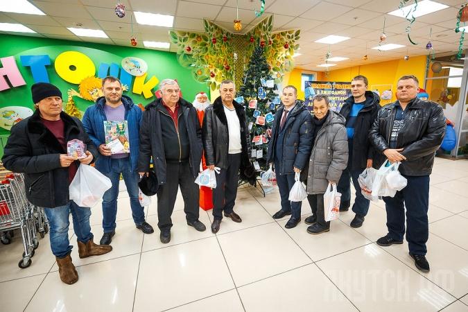 Директора маршрутных автобусов поддержали благотворительную акцию «Елка добра»