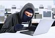 Настойчивым мошенникам под видом сотрудников банков удалось обмануть жительницу Якутска