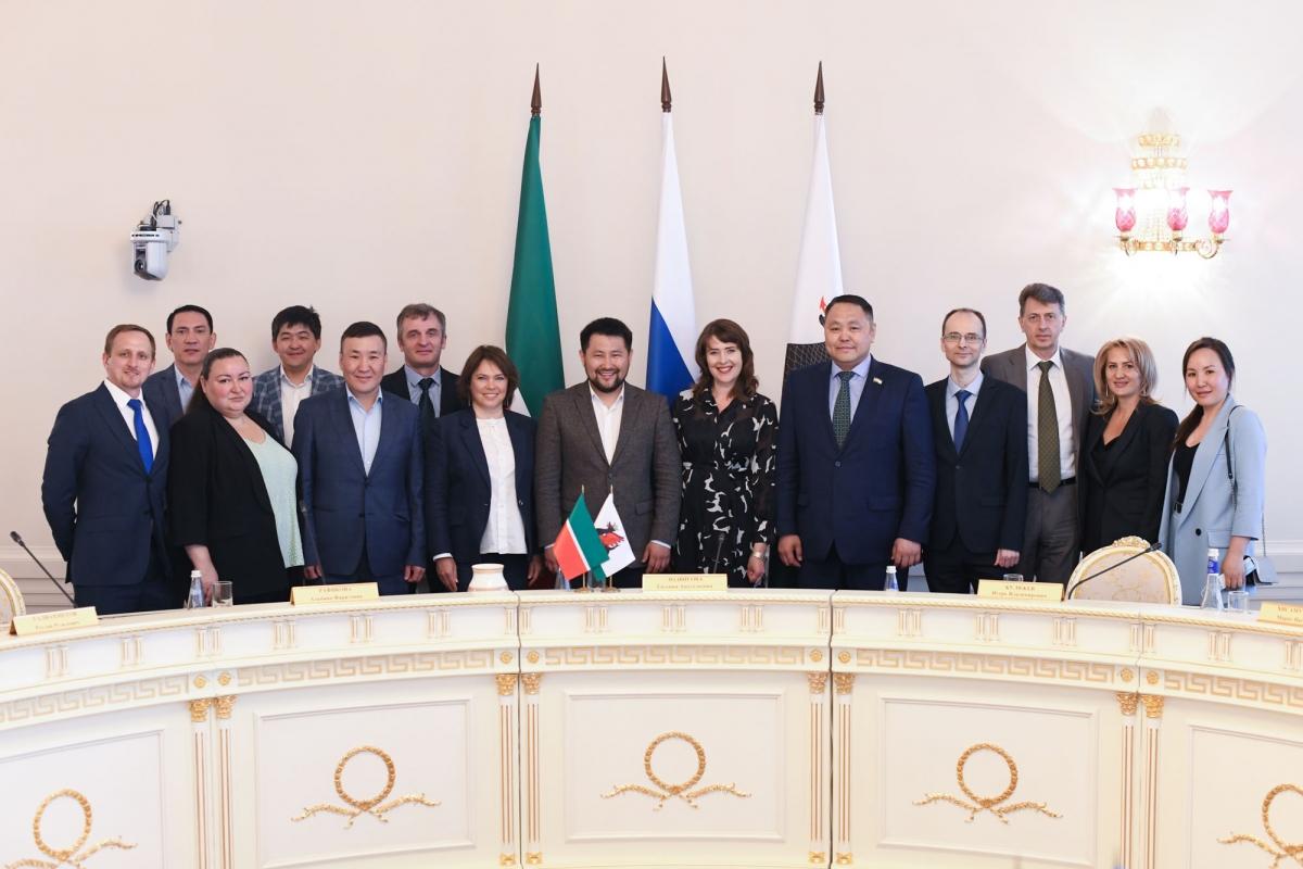 Представители Исполкома Казани и делегации Якутска обсудили вопросы сотрудничества