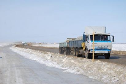 О введении с 13 апреля ограничения до 20 тонн для проезжающего транспорта на ледовых переправах