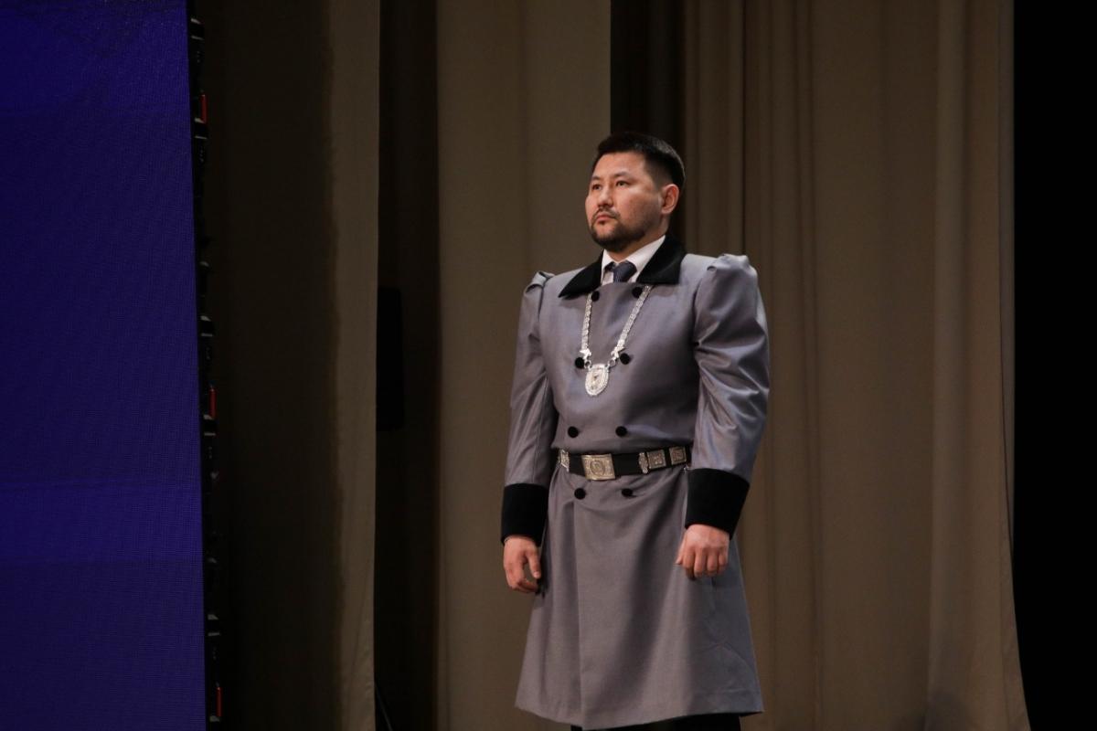 Евгений Григорьев официально вступил в должность главы города Якутска