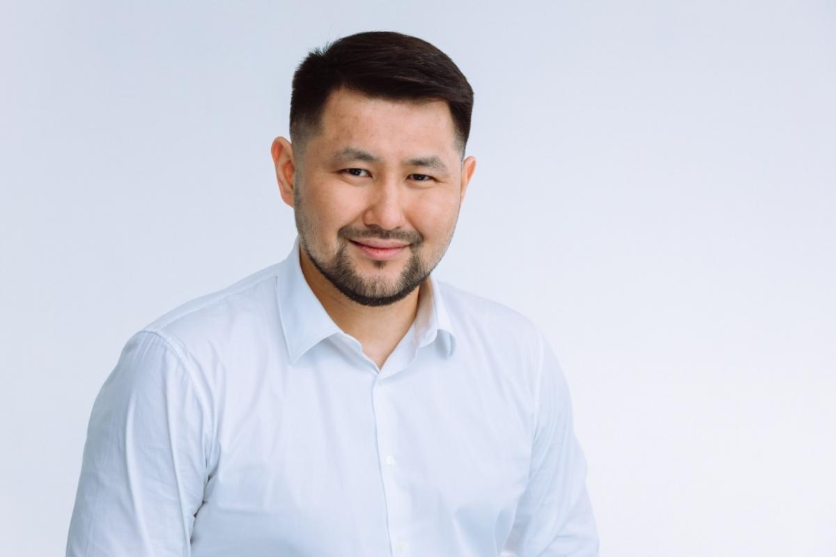 Евгений Григорьев поздравляет с Днем предпринимателя в Республике Саха (Якутия)