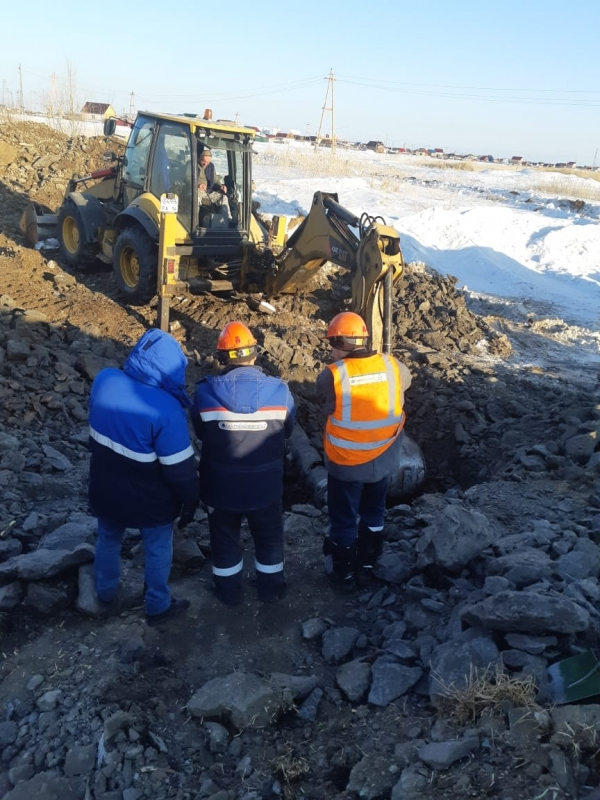 На ул. Студенческой восстанавливают поврежденный газопровод