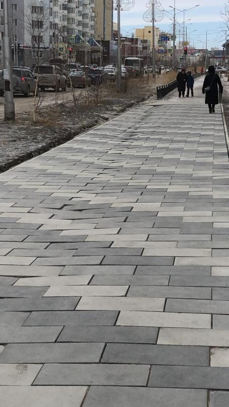 Подрядчик устранит дефекты тротуаров улиц Пояркова и Курашова до конца мая