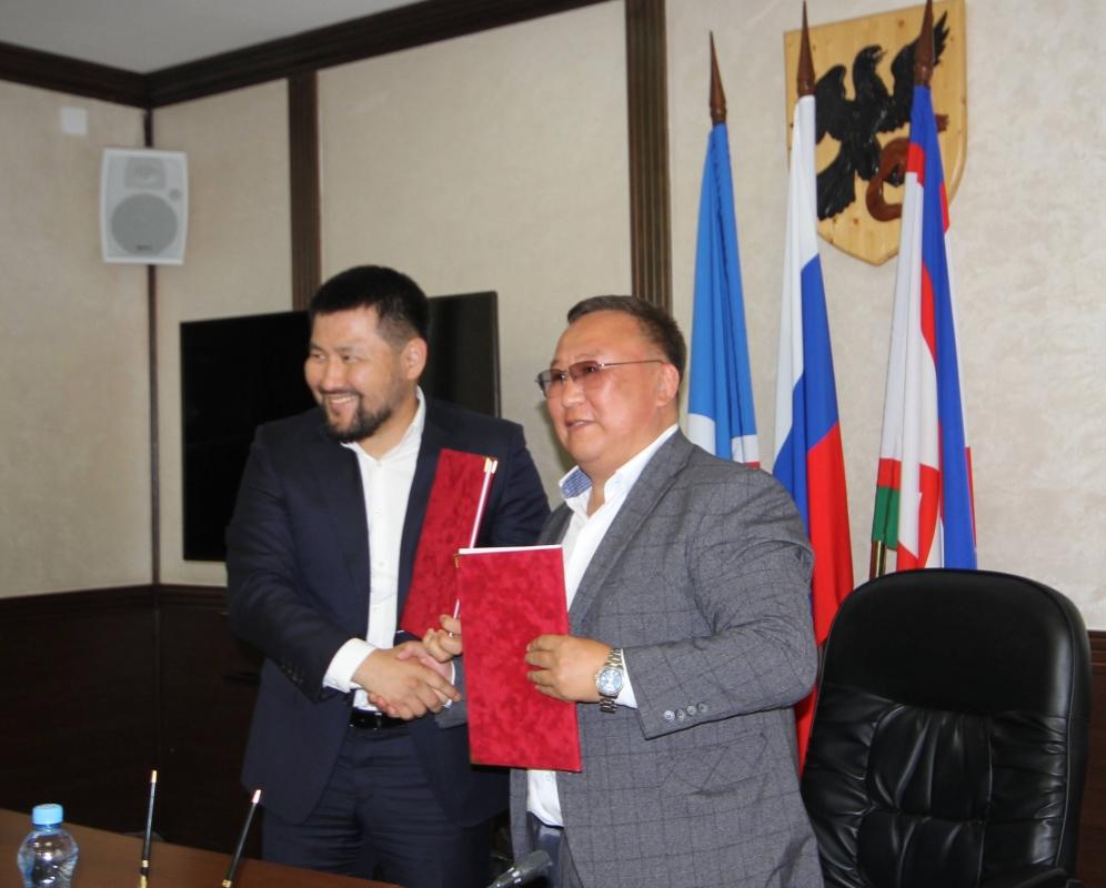 Администрации города Якутска и Мегино-Кангаласского улуса подписали соглашение о сотрудничестве