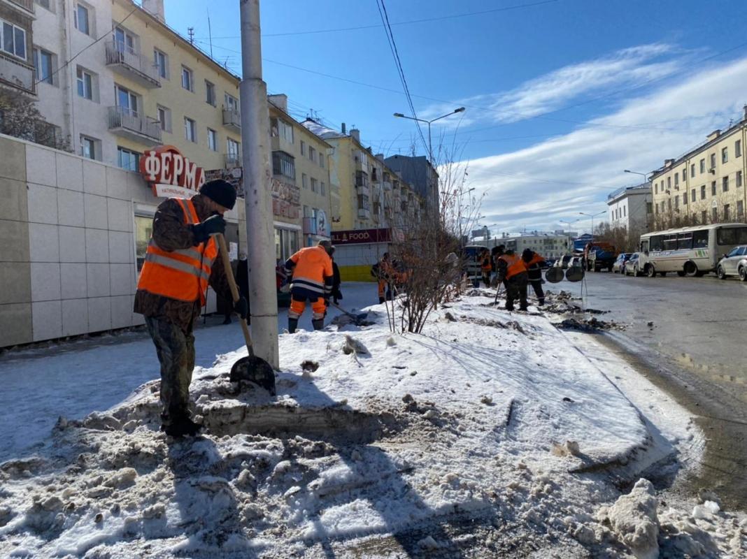 Более 503 тысячи кубометров снега вывезено в Якутске