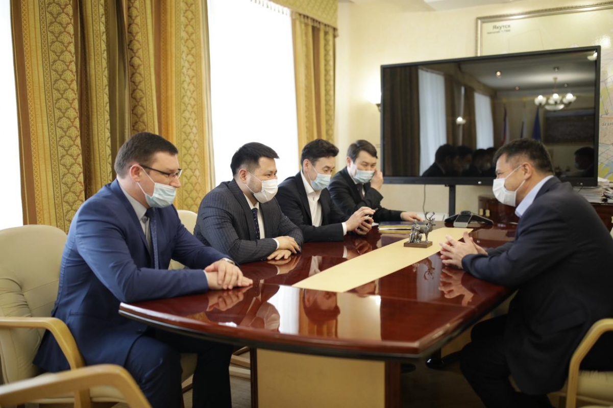 Андрей Тарасенко и Евгений Григорьев обсудили планы по развитию столицы республики