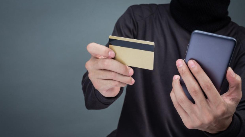 МУ МВД России «Якутское» предупреждает: работник банка никогда не попросит вас назвать коды безопасности